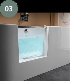 Dusche auf Wanne. Aus einer Badewanne wird eine barrierefreie Duschfläche