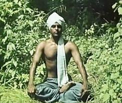 Foto Selvarajan Yesudian Padmasana (Lotussitz)