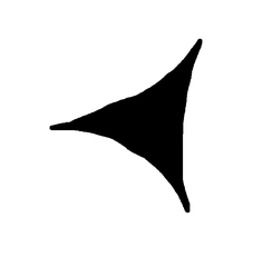 Pfeilspitze mit fast vollständig dreieckigem Konstrukt