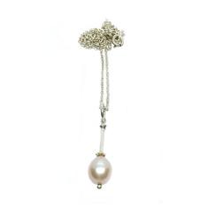 Damenkette rosé Tropfenperle edel und zeitlos.Halsketten mit klassische Perlen und klare Linie gestaltet in Stuttgart