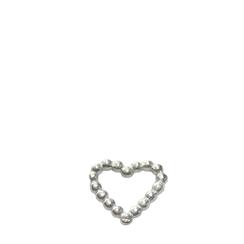 """Der süße Herzanhänger wird einfach in die Halskette hineingezogen.  Der romantisch-verspielte Herzanhänger besteht aus vielen kleinen aneinander gereihten kleinen """"Pünktchen""""- Kügelchen."""