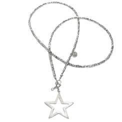 Moderen lange Kette aus Glasperlen silber mit XL Charm Stern. 925 Silber. Gefertigt in Stuttgart.
