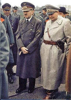 """Adolf Hitler und Hermann Göring - Flick spendete Hitlers NSDAP ab 1933 jährlich hundertausende Reichsmark, bei Göring war Flick """"Persona grata"""" und stets Gast auf dessen prunkvollen Geburtstagen"""