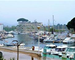 Buy luxurious apartment in Playa de Aro, near the sea, on Costa Brava, Port