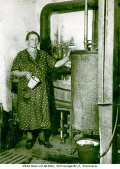 Gräßer Gertrud Schnapsgertrud Brennerei Storchennest