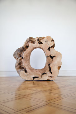 David Nash, Ash Ring, 2013 (Foto: Courtesy Galerie Scheffel Bad Homburg & Künstler.)