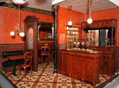 Miniature englisch Pub with terra-cotta tiles