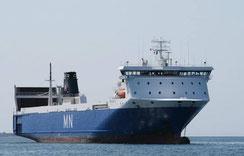 Le M/V MN Pelican ancré. Il navigue désormais pour le compte de Brittany Ferries.