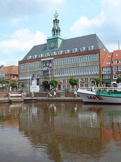 Emdener Rathaus - Foto: Tim Schredder