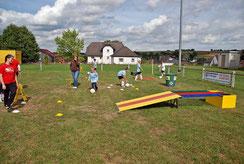 Fußballgolf Eventmodule mieten und Fussballgolf spielen auf ihrem Event Fussball Golf in Frankfurt Fussball Minigolf Karben Oberursel Hofheim Bürogolf Fussballgolf Anlagen