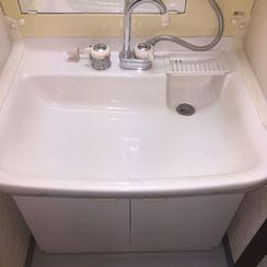 ジェットスマイルの洗面台クリーニングで衛生的にピカピカに維持します。見た目もよくなり運気アップ
