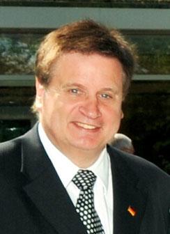 Dr. Stefan Bremicker