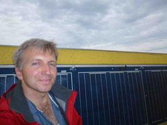 Eigennutzen sollte im Vordergrund stehen, mit bedarfsgerechter Photovoltaik je nach Jahresstromverbrauch. günstig selbstversorgen