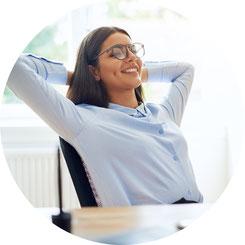 Selbsthypnose fördert die Entspannung, diese führt zu einer Stressreduktion.