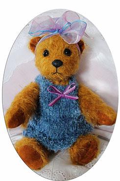 "Teddybär ""Poluschka"" von Hand gefertigt, Unikat"