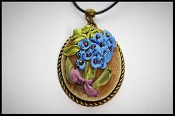 Schmuckanhänger oval mit blauen Blumen Kettenanhänger Anhänger