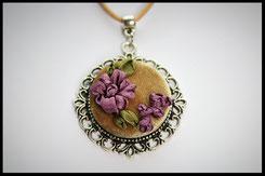 Schmuckanhänger mit lila Blumen Kettenanhänger Anhänger