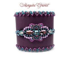 photo-bracelet-manchette-cuir-de-poisson-noir-brode-de-cristaux-swarovski-roses-glamour-chic-haute-couture