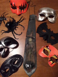 Masken Fr.4-6.-, Krawatte Fr.5.-, Spinnen Fr.1.50/3.-