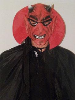 Maske mit Umhang 1Teil, Fr. 29.-