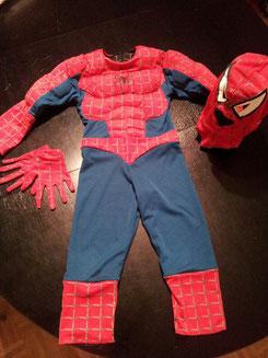 Spiderman, 2in1> schwarz oder rot, Gr,ca 98/104, Fr.20.-