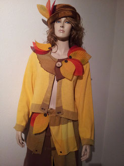 Kleid mit Herbstblätter Fr.35.-