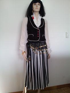 Zigeunerin,Bluse Gr.S/M + L, Rock S-L tragbar, Weste Gr. S/M)