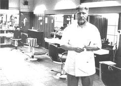 """Arbeitsplatz wurde """"Elvis-Barber-Shop"""""""