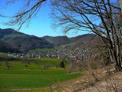 Blick von der Fuchsfarm auf Oberdorf