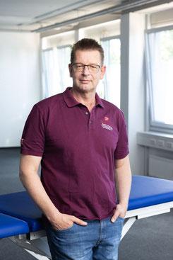 Jens Laumann ist Schulleiter der Do Physio Schule in Fellbach bei Stuttgart
