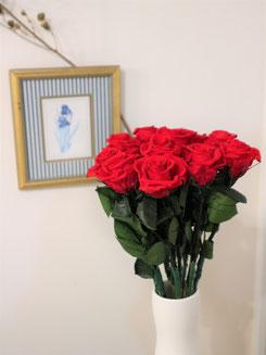 プロポーズに贈るプリザーブドフラワー赤バラ花束