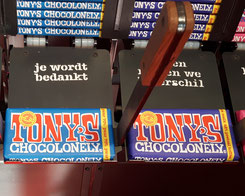 Tony-chocolonely-store-dondere-melk-pretzel-toffe-review-ervaring