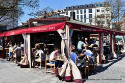 restaurant dans le marché aux victuailles de Munich