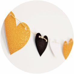 Bild: Valentinstag schön zu feiern ist ganz einfach mit diesen Ideen für Dekoration, Girlanden, Geschenken, Rezepten und praktischen Tipps, gefunden auf www.partystories.de