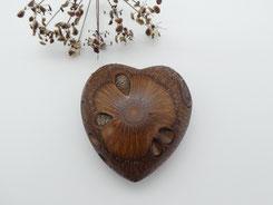 Handschmeichler aus Holz, Banksiazapfen