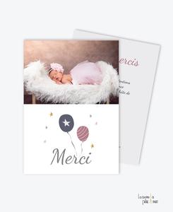 carte de remerciement naissance fille ballons qui volent avec merci- violet photo