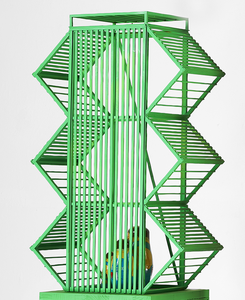 JAN MUCHE, o.T., 2020, Holz, Acryl und Fundstücke, 81 x 42 x 43 cm