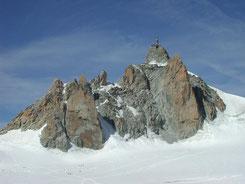 Südwand der Aiguille du Midi (wikipedia, R. Lacassin)