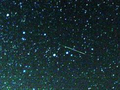 Perseiden-Meteor (wikipedia, Brocken Inaglory - Ausschnitt)