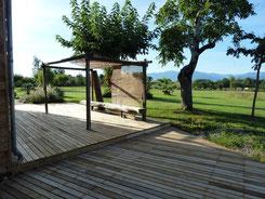 Terrasse en châtaignier, traverses décoratives en chêne