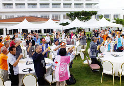 凧愛好者106人が参加した前夜祭=ANAインターコンチネンタル石垣リゾート