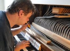 Orgelbauer an der Arbeit in Dobraschütz