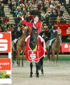 Hans-Dieter Dreher hieß in diesem Jahr der Sieger des Weltcup-Springens (Foto bb)