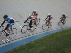 Spitzengruppe im Punktefahren der Jugend von Position 2 an: Oliver Spitzer, Magnus Findeisen, Toni Albrecht und Giovanni Schmieder