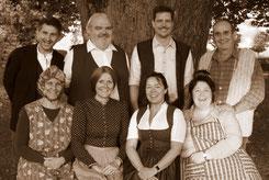Das achtköpfige Ensemble freut sich auf die vier Aufführungen – und natürlich auf zahlreiche Besucher