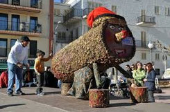 Кагатио - как дарят рождественские подарки в Каталонии