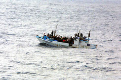 Flüchtlinge auf Boot, Quelle: pixabay