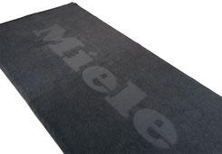Handtuch mit Logo, Handtuch mit Stick, Handtuch Einwebung, Handtuch bedrucken, Handtuch bestickt, Bedruckte Handtücher. Handtücher Hotel, Handtücher Sauna, Handtücher Werbemittel