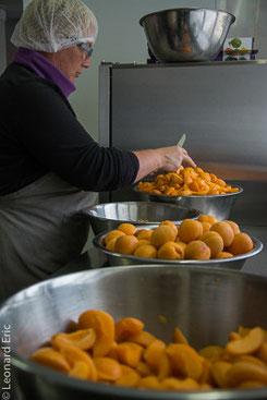 Photo Léonard Eric. La production du safran et la transformation de tous nos produits se fait dans nos atelier à Wasseiges.