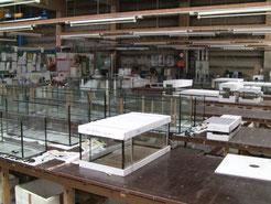 Die 900m² große Glaserei bei EFS